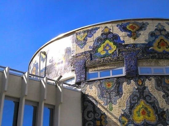 Фотопринт вместо мозаики разместили на фасаде казанской «Тюбетейки»