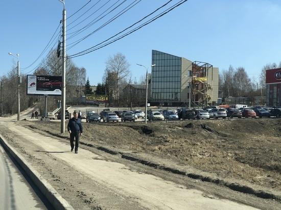 «Заметки пешехода» в действии: тульские тротуары очищают от грязи