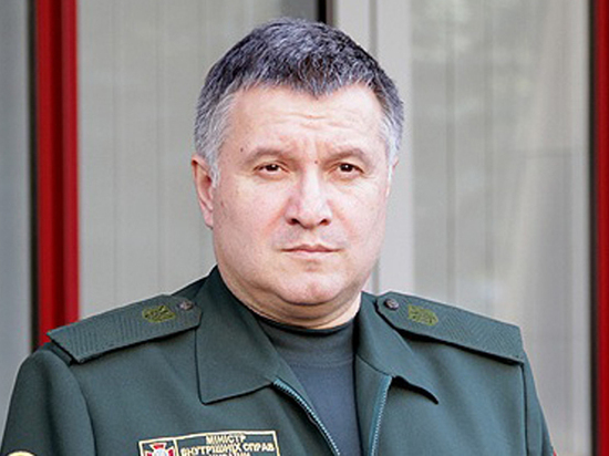 Аваков: Украина научит весь мир сопротивляться России