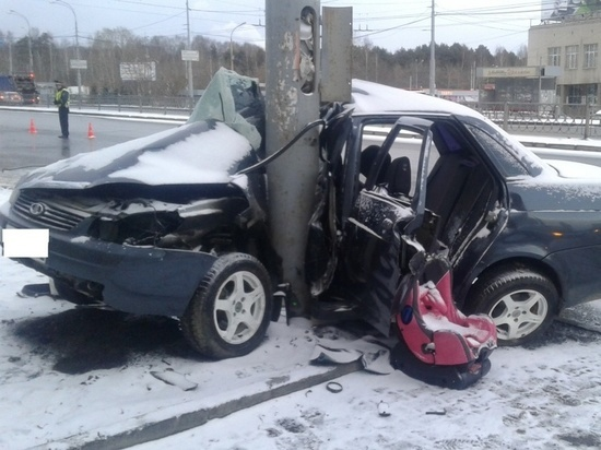 В Екатеринбурге из-за девушки без прав погиб пассажир Приоры
