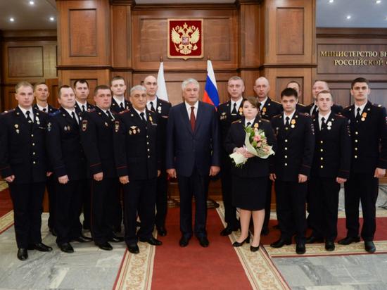 Смелого сержанта из Ялты наградили в Москве
