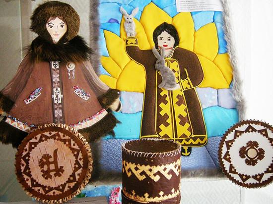 Работы выставки «Рукотворный мир Югры» высоко оценили зрители Москвы и Ханты-Мансийска