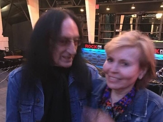 Звезды встретились на вечеринке в честь рок-н-ролла
