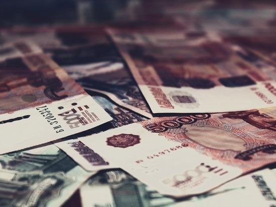 В Бийске начальника ОЭБ обвиняют в незаконной банковской деятельности