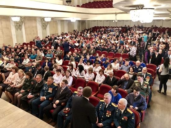 Алексей Дюмин: «Сильная армия – залог независимости нашей страны»