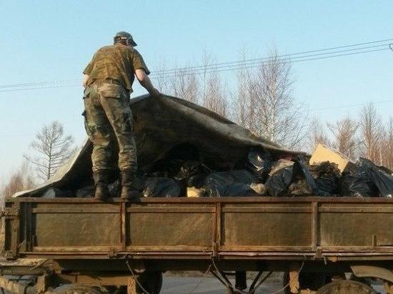 С берега реки в Тверской области собрали 50 мешков мусора
