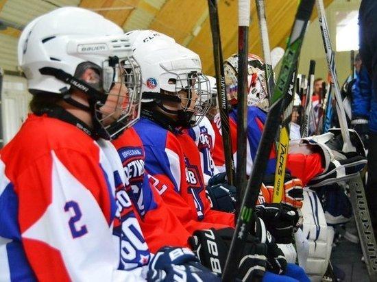 Легенды хоккея провели мастер-класс во Владивостоке