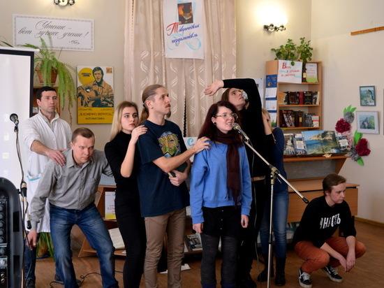"""""""Таврический пердимонокль"""": поэзия ещё жива и даже популярна"""