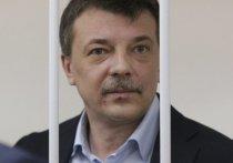 15 женщин и 13 лет: неожиданные подробности приговора полковнику Максименко