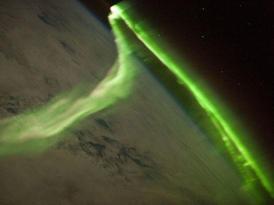 Землю накрыла мощная магнитная буря: как бороться с плохим самочувствием