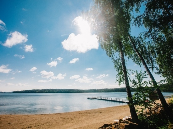 На берегу озера Чебаркуль установят памятник метеориту