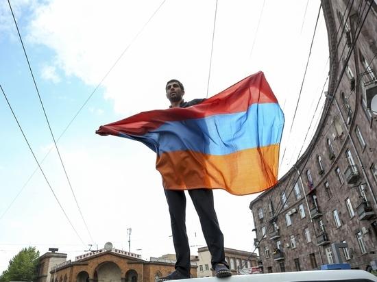 В Ереване вновь вспыхнули акции протеста армянской оппозиции