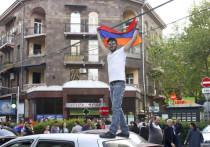 Двигателем революции в Армении стала убогая экономика: треть граждан нищие