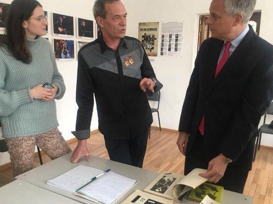 Американский посол Джон Хантсман приехал во Владивосток