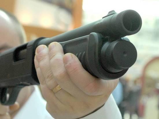 Продавец московского зоомагазина прострелил свой половой орган, выпив бутылку коньяка