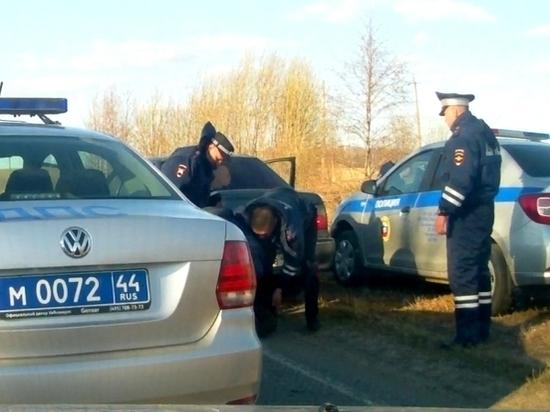 Пьяного за рулем на Сусанинской трассе помогли задержать костромичи