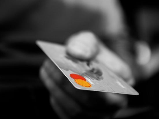 Сотрудник МУРа украл деньги с карточки задержанного