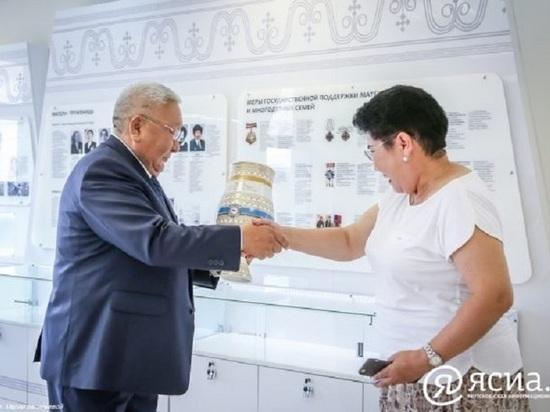 Глава Якутии публично признался в любви к... жене