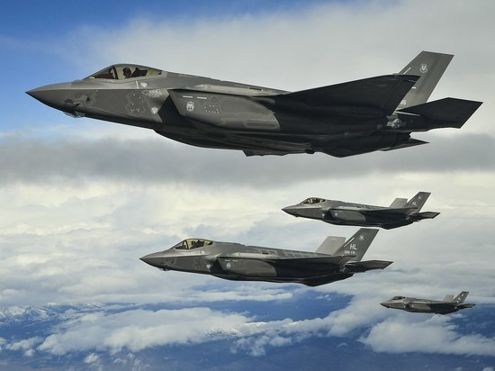 В «провале» Су-57 обвинили американский F-35
