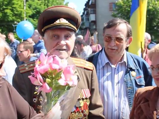 Глава киевской полиции запретил ветеранам надевать ордена в День Победы