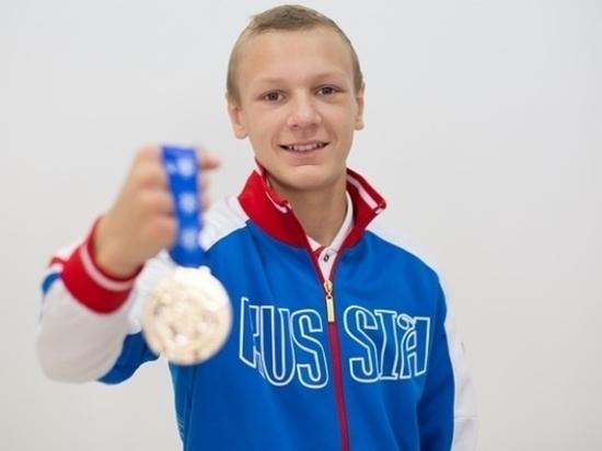 Тамбовчанин Илья Попов одержал третью победу в первенстве Европы по боксу