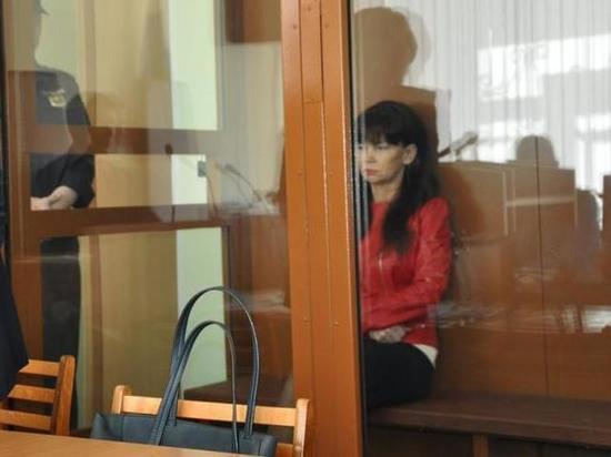 Дело обвиняемой в мздоимстве бывшей главы Котласского района направлено в суд