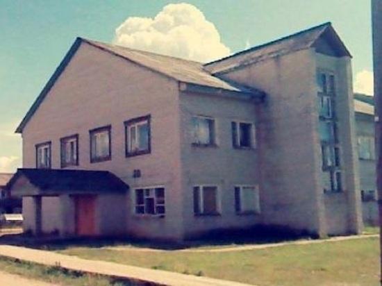 Директор Дома культуры в Рочегде уволена из-за подозрения в подлоге и растрате
