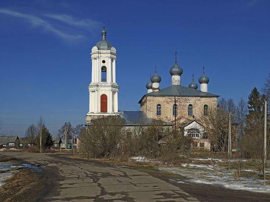 С возмущёнными из-за отключений света жителями Тверской области встретился районный прокурор