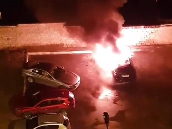 В центре Тамбова загорелся автомобиль