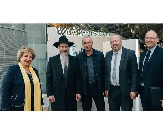Министр интеграции и репатриации Израиля Софа Ландвер посетила Еврейский музей и центр толерантности