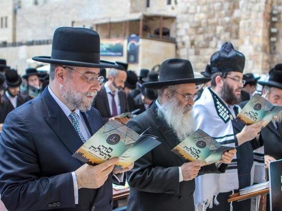 Главный сефардский  раввин Израиля Ицхак Йосеф помолится за павших красноармейцев