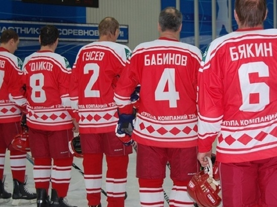 Легенды советского хоккея обыграли сборную Архангельской области в Северодвинске