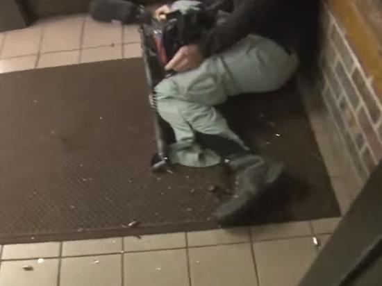Гибель звукооператора от пули американских полицейских попала на видео