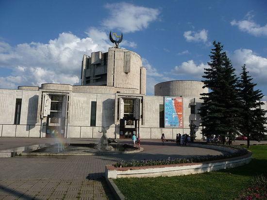 Скандал вокруг наследства директора театра Сац: имуществом завладел «Солнцевский»