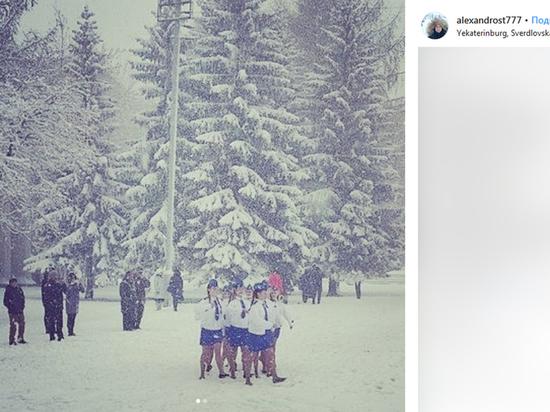 Маршировавших по снегу раздетых детей в Екатеринбурге разогрели спиртом
