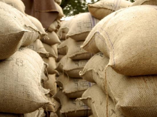 Орловцы украли удобрения и семена со склада