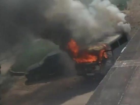 На западе Тамбова дотла сгорел автомобиль УАЗ