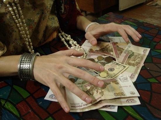 В Саранске продавщица ювелирного бутика заплатила за снятие порчи 69 тысяч рублей из кассы