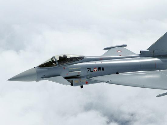 СМИ: большинство немецких истребителей Eurofighter непригодны для военных операций