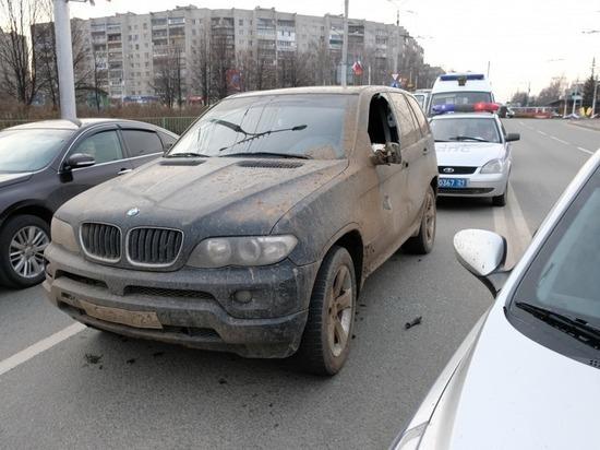 В Чебоксарах полицейские с погоней задержали водителя BMW X5