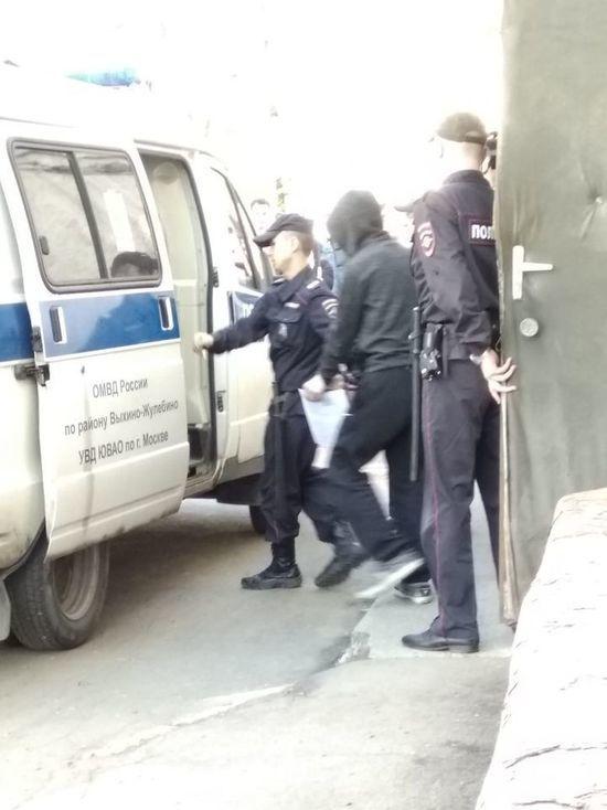 Родные убийцы рыдали: как арестовывали подростка-геймера, зарезавшего студентку