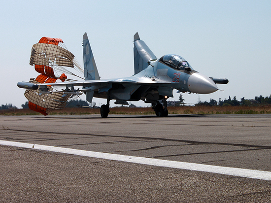 В Сети появились фотографии момента крушения Су-30 в Сирии