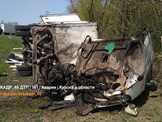 В результате ДТП под Курском развалилась «ГАЗель»