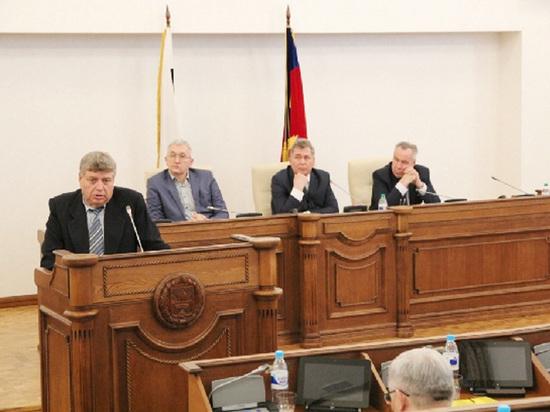 Владимир Локтюшов рассказал депутатам о судьбе Алтайского моторного завода