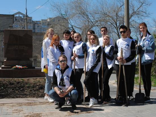 «Всероссийский субботник» подхватили волгоградские волонтеры
