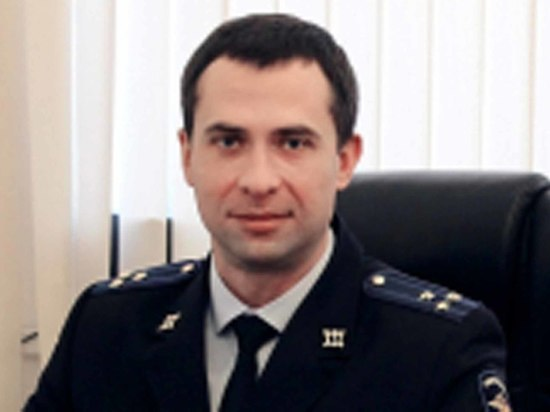 Скандал в полиции Пушкино: следователь-взяточник разбросал на дороге 400 000 рублей