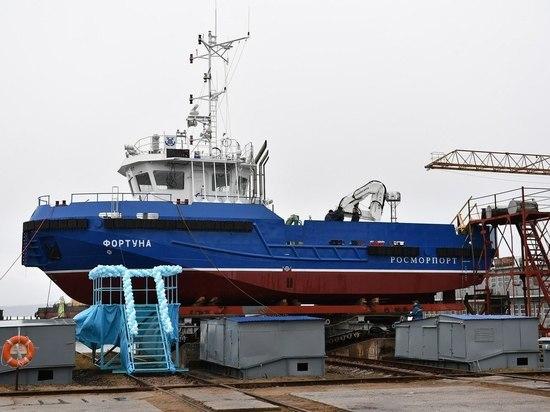 На Онежском судостроительном заводе спустили на воду новое судно