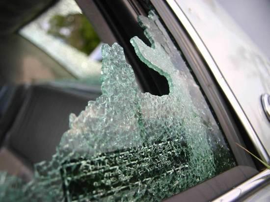 Житель Мичуринска разбил авто жениха своей бывшей подруги