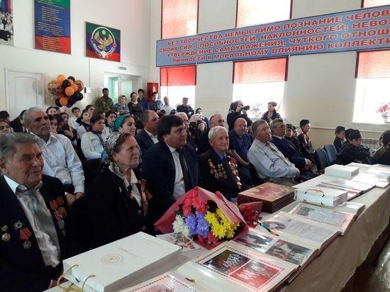Ветеранов Хасавюрта чествуют в школах города