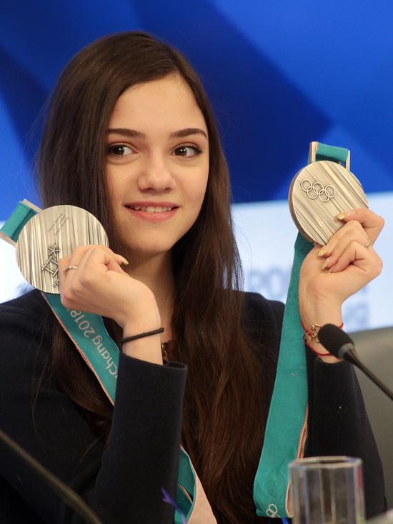 Источники СМИ: фигуристка Медведева сменит гражданство и страну